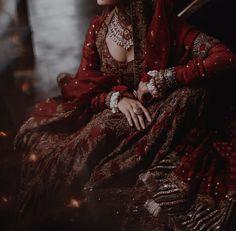 Indian Photoshoot, Bridal Photoshoot, Desi Bride, Desi Wedding, Indian Aesthetic, Aesthetic Light, Indian Dresses, Indian Outfits, Mahira Khan Dresses