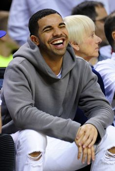 Happiness stage. | The 7 Stages Of Drake At A Basketball Game