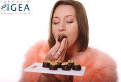 Tempo di #feste, tempo di #dolci e ottimi  pranzi e cenette. Se avete esagerato a tavola in questi giorni, ecco alcuni prodotti che potrebbero essere utili >> http://www.farmaciaigea.com/268-integratori-per-la-digestione-e-il-transito