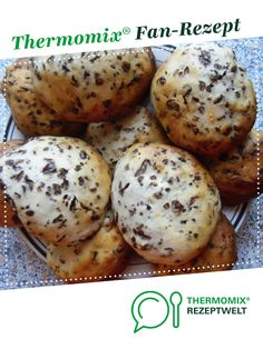 Jan's Schokobrötchen von Ein Thermomix ® Rezept aus der Kategorie Br… Jan's chocolate roll from A Thermomix ® recipe from the category Bread & Rolls on www.de, the Thermomix® Community. Italian Christmas Cookie Recipes, Italian Cookie Recipes, Italian Cookies, Easy Cookie Recipes, Pastry Recipes, Quiche Recipes, Chocolate Bun Recipe, Chocolate Roll, Chocolate Cake
