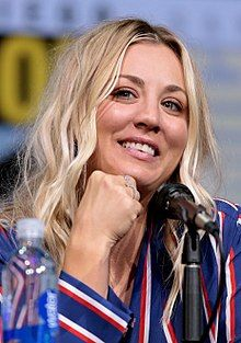 How Kaley Cuoco Bypassed the Awkward Stages in Growing Out Her Hair – Celebrities Female Kaley Cuoco, Stunning Women, Beautiful Celebrities, Beautiful Ladies, Big Bang Theory Set, Love Tv Series, Bollywood, Bleach Blonde Hair, Meg Ryan