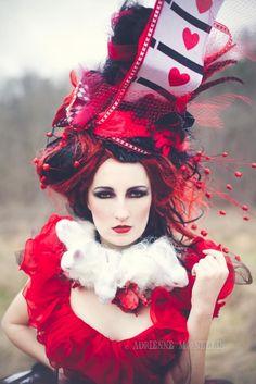 Queen of Hearts costume idea. Alice in Wonderland. #RedQueen