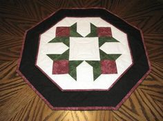 Quilted Table Topper - http://www.ozarkmountainpatchwork.com