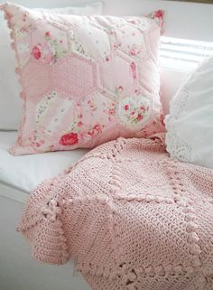 Hand knit throw in a gorgeous pale pink