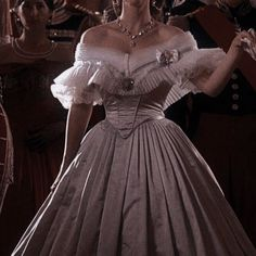 Queen Aesthetic, Princess Aesthetic, Vestidos Vintage, Vintage Dresses, 1800s Dresses, Ball Dresses, Ball Gowns, Pretty Dresses, Beautiful Dresses