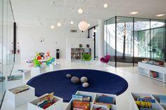 un rond de tapis comme aire de jeux Bellow, Children's Library, Comme, Conference Room, Furniture, Ideas, Home Decor, Libraries, Architecture