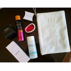RDV sur mon snapchat @nadabenou pour découvrir le nouveau lot que j'ai reçu de la part de Avon! #Avon #beautyproducts  Nada - http://ift.tt/1HQJd81
