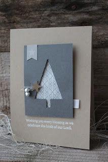 Eine ganz schlichte Weihnachtskarte mit der Tannenbaumstanze.   Das Designpapier ist diesmal nicht von Stampin`up     Farben: Savanne, Ant...