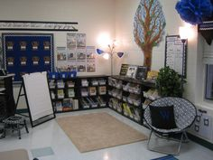 This classroom is amazing!!! So beautifully organized! I am going with no teacher desk this year too!
