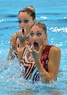 Jaja goede timing voor een charmante foto is belangrijk! Grappige sportgezichten tijdens opperste concentratie