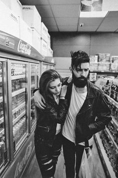 Couples in the market! #Pareja #Tattoos #Leather #Jacket #Sensual #Tatuajes…