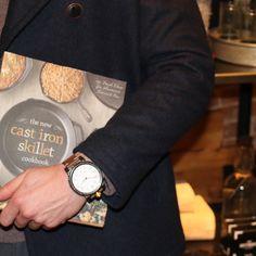 Because a classy man can cook too ----------------------------------- #VorticWatchCo #AmericanArtisanSeries #watchgame #wristporn #watches #style #art #fashion #menswear #gentleman #luxury #luxurylifestyle #wristwatch #wristgame #MadeInAmerica #3Dprinting #dailywatch #vintage #vintagestyle #vintagefashion #custom #watchoftheday #whatsonmywrist #womw #potd #picoftheday by vorticwatches