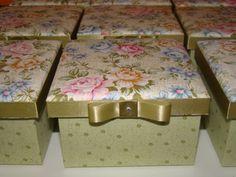 caixa floral verde
