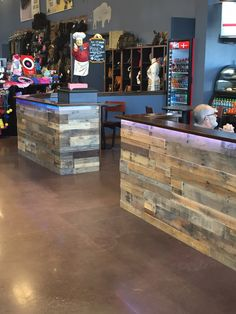 Our pallet wall panels at Frontier Justice Cafe in Missouri. Sustainable Lumber Co.