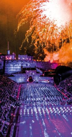 #Photography Royal Tattoo at Edinburgh Festival #lp #photography http://pic.twitter.com/T8enMygBRY  Tripfania (Tripfania) August 27 2016   Photography (@Pho_to_grap_hy) August 27 2016