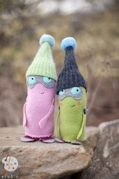 totally adorable sock(?) creatures!!1 We Love to Sew by Annabel Wrigley for FunStitch Studio #Sockmonster
