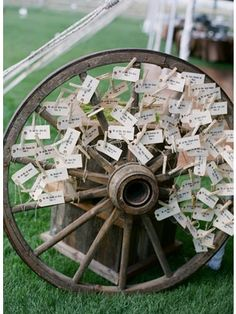 Rustic Wheel Place Card Holder