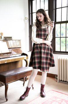 Clothes F i.n. Retro Fashion, Korean Fashion, Vintage Fashion, Womens Fashion, 1960s Outfits, Cute Outfits, Vintage Style Dresses, Vintage Outfits, Pinafore Dress Outfit