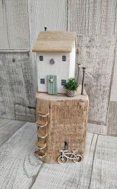 Driftwood House, Coastal Cottage, Driftwood Art, S - Miniatur Garten Glas Wooden Tags, Wooden Gifts, Duck Egg Blue Door, Driftwood Crafts, Buy Driftwood, Driftwood Sculpture, Seashell Crafts, Beach Crafts, Natural Home Decor