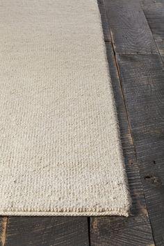 Amco Hand-Woven White Area Rug