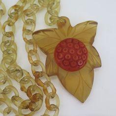 Vtg Art Deco Celluloid Chain & Carved Apple Juice Bakelite Acorn Leaf Necklace
