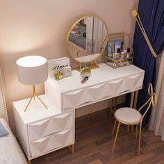 Home Design Living Room, Room Design Bedroom, Bedroom Furniture Design, Room Ideas Bedroom, Gold Bedroom Decor, Bedroom Decor For Teen Girls, Study Room Decor, Cute Room Decor, Dressing Table Design