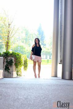 Off-Shoulder Top mit rosa Lederrock - Miss Classy