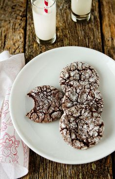 CHOCOLATE...crinkle cookies