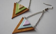 Boucles d'oreilles en pâte fimo (tuto complet ici : http://www.madmoizelle.com/tuto-boucles-oreilles-triangles-fimo-145709 )
