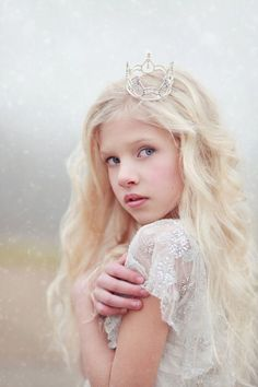 Princess Shot, Little Princess, Crown Photos, Girl Photos, Baby Tiara, Dream Photography, Photography Ideas, Girls Crown, Newborn Baby Photos