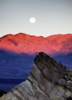 ✮ Moonrise Over Manly Beacon - Death Valley National Park - CA
