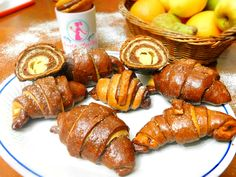 Cornuri in doua culori umplute cu crema de vanilie| Anyta Cooking