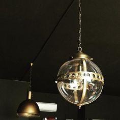 Colgante de bola de cristal. www.dajor.es #vintage #lamparavintage #lampara #dajorlightingfactory #dajoriluminacion