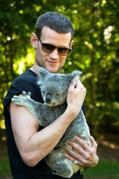 Matt Smith at the Australia Zoo. 5/10/15 The cuteness is unbearable!