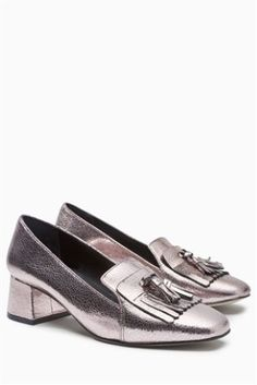 Metallic fringed loafers are officially a thing - you heard it here first! LOVE!