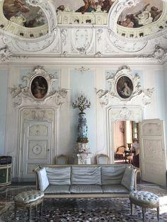 Inside Lake Como's Villa Sola Cabiati | Vogue Lake Como Hotels, Lake Como Villas, Antique Interior, French Interior, Antique Furniture, Furniture Wax, Century Hotel, Lake Como Italy, Vogue Living