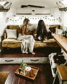 int rieur de caravane comment l 39 am nager pinterest caravane campeur et int rieur. Black Bedroom Furniture Sets. Home Design Ideas