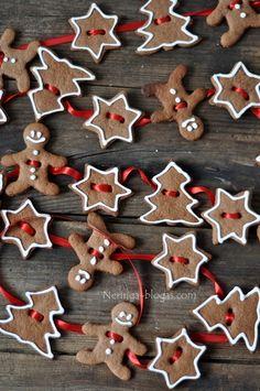 Gingerbread Cookie Garland.  http://technomouse.ru