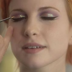hayley-williams-makeup-purple-glitter