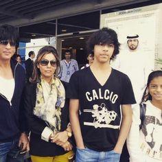 Shahrukh Khan with Gauri, Aryan, and Suhana in Dubai