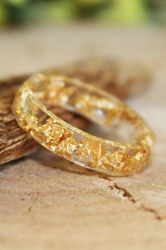 Golden Flakes Ring Resin Jewelry Gift, Gold Faceted Ring Nature Jewelry Art, Gold Metal Leaf Jewelry Resin Cute Ring, Stylish Gift Jewelry
