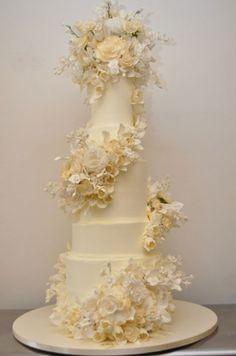 Kelsey Grammer & Kayte Walsh's wedding cake, created by Sylvia Weinstock.