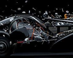 Voici Disintegrating - Exploded Cars, le nouveau projet du photographe Fabian Oefner, dont nous avions déjà parlé avec ses expérimentations colorées Liqu