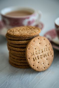 Homemade Digestive Biscuits (by Donal Skehan & Gemma Stafford) Digestive Cookies, Digestive Biscuits, Digestive Cookie Recipe, Baking Recipes, Cookie Recipes, Dessert Recipes, Dinner Recipes, Tea Recipes, Biscuit Cookies