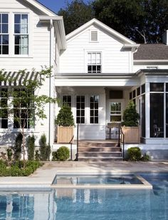 Hamptons-style design in Austin, TX - #Tim #Cuppett Architects