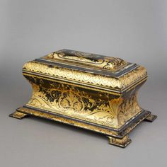 Victorian Gilt Decorated and Mother-of-Pearl Inlaid Papier Mache Tea Caddy - 19th Century