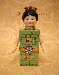 Narrative Dolls at allthingspaper.com