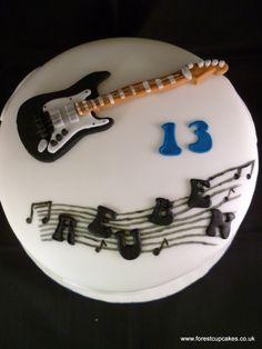 Guitar Cake Decorating Ideas Beautiful I Seriously Want This Cake for My Birthday. Music Birthday Cakes, Birthday Cake Toppers, Music Cookies, Penguin Cupcakes, Jake Cake, Guitar Cake, Big Cakes, Cake Icing, Novelty Cakes