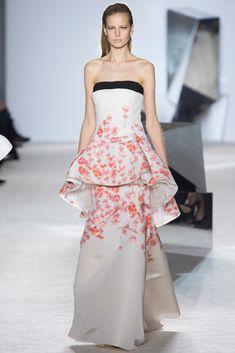 Giambattista Valli Haute Couture Spring 2014 - Runway
