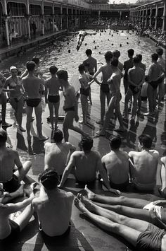 Paris 1955 Photo: Henri Cartier-Bresson - looks like the pool from 'The Life of Pi'